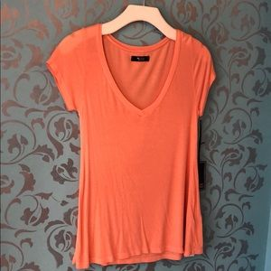 NWT Michael Lauren Ribbed V-neck Tee
